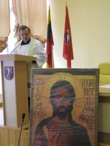 Uroczysty moment poświęcenia obrazu Chrystusa Króla  Fot. archiwum ASRW