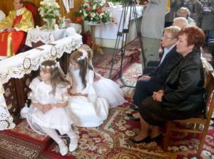 Mer Samorządu Maria Rekść uczestniczy we Mszy św. w intencji dostojnych Jubilatów    Fot. archiwum ASRW