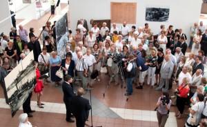 Na otwarcie wystawy w licznym gronie przybyli przedstawiciele władz Litwy i Polski Fot. Marian Paluszkiewicz