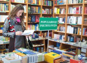 Lektury z dziedziny popularnej psychologii wielu pomagają przeżyć trudne okresy życiowe Fot. Marian Paluszkiewicz