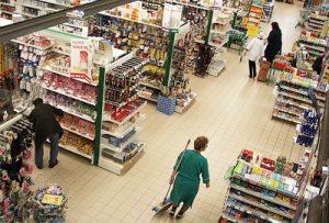 Coraz częściej w sklepach sieci handlowych odnotowuje się wypadki kradzieży Fot. Marian Paluszkiewicz