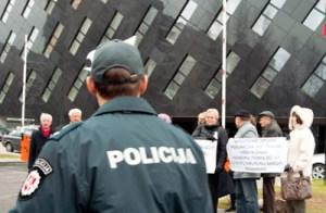 Od prawie dwóch miesięcy po wydarzeniach w Kownie prokuratorzy wciąż nie wiedzą, kto dokonał zabójstwa dwóch osób oraz czy były te osoby zamieszane w aferę pedofilską  Fot. Marian Paluszkiewicz