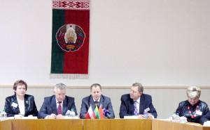 Prezydium międzynarodowej konferencji w Oszmianie Fot. archiwum ASRW