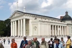 Biskup Kazimierz Michalkiewicz wydał rozporządzenie, aby oprócz kościoła św. Mikołaja, odbyć się miały w niedzielę i święta kazania litewskie w Katedrze