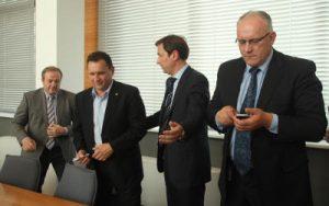 Jarosław Kamiński (drugi od lewej) dołączył do liderów stołecznej koalicji Romasa Adomavičiusa, Artūrasa Zuokasa i Jonasa Pinskusa Fot. ELTA
