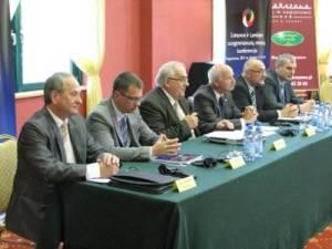 W pierwszym dniu konferencji nie pominięto drażliwego tematu stosunków polsko-litewskich.