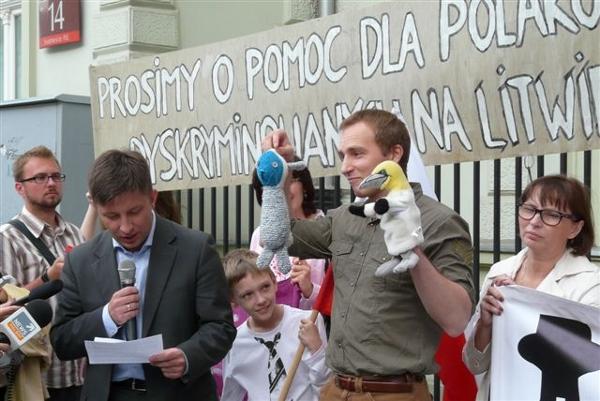 Demonstracja w Warszawie w obronie Polaków na Litwie
