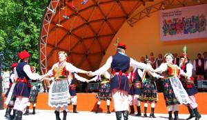 """Tradycyjnym uczestnikiem festiwalu jest zespół pieśni i tańca """"Solczanie"""""""