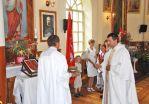 Aktu wyświęcenia godła i sztandaru dokonał proboszcz parafii bujwidzkiej ks. Ryszard Pieciun