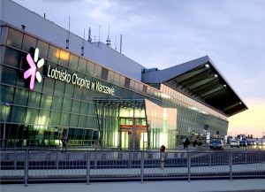 Warszawskie lotnisko jest już na trzecim miejscu, po Wilnie i Kownie, skąd najczęściej w świat odlatują mieszkańcy Litwy   Fot. archiwum