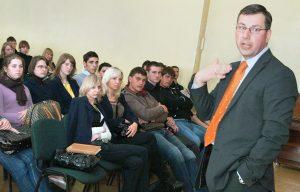 Minister oświaty i nauki Gintaras Steponavičius jest zadowolony z wyników próbnego ujednoliconego egzaminu Fot. Marian Paluszkiewicz