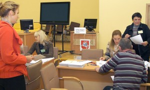 W samorządzie rejonu wileńskiego kolejek głosujących prawie nie było     Fot. Marian Paluszkiewicz