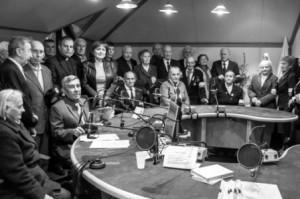 Podczas wycieczki do Torunia kombatanci wzięli udział na żywo w audycji Radia Maryja z księdzem Grzegorzem   Fot. archiwum
