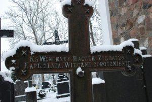 Polskie inskrypcje nagrobne na cmentarzu w Kalwarii Żmudzkiej