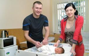Anna i Andrzej Czerniawscy dumni są ze swej córeczki Fot. Marian Paluszkiewicz