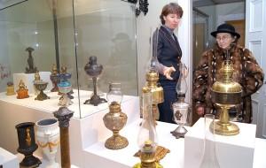 Kierowniczka Alina Galvanauskienė i wieloletnia kustosz Regina Galvanauskienė są jedynymi pracowniczkami placówki, które troszczą się o ekspozycje muzealne, ale też około 900 mkw. powierzchni do sprzątania Fot. Marian Paluszkiewicz