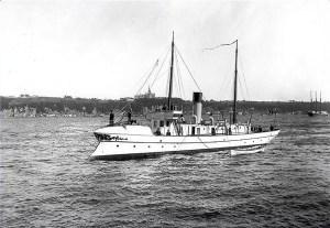 """Patrolowiec """"Constance"""" na jeziorze Ontario, rok 1900; jedyny okręt dowodzony przez Aleksandra Waścickiego"""