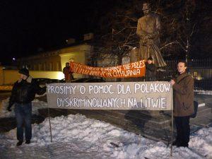 Akcja protestacyjna przeciwko łamaniu praw Polaków na Litwie podczas warszawskiej wizyty Algirdasa Butkevičiusa Fot. archiwum