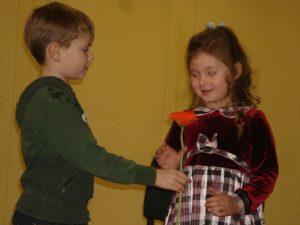 Dużo wysiłków w przygotowanie uroczystości włożyli młode talenty ze Szkoły Sztuk Pięknych w Rudominie