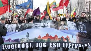 """Choć tegoroczny marsz nacjonaliści nazwali """"spontaniczną"""" akcją, ale niemniej przebiegała ona w sposób nawet bardzo zorganizowany Fot. Marian Paluszkiewicz"""