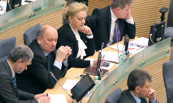Polscy politycy posiadający Kartę Polaka są stałym celem ataków konserwatystów byłego premiera Andriusa Kubiliusa Fot. Marian Paluszkiewicz