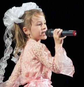 """Dzieci doskonale poradziły sobie i swoje utwory przedstawiły """"śpiewająco""""  Fot. Marian Paluszkiewicz"""