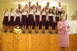 Z dniem 19 marca br. wplacówkach oświatowych rejonuwileńskiego rozpoczął sięcykl imprez poświęcony upamiętnieniużycia świątobliwegokapłana Józefa Obrembskiego.