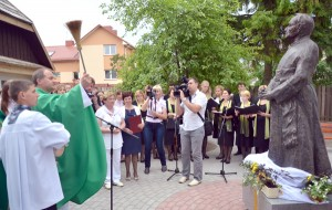 Poświęcenie pomnika śp. ks. Prałata Obrembskiego Fot. Teresa Worobiej