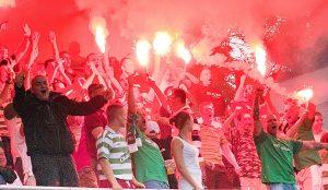 Największą zmorą meczów piłkarskich jest zachowanie pseudokibiców Fot. Marian Paluszkiewicz