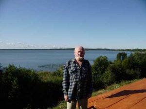 Brasław, autor nad jeziorem Dryświaty<br/>Fot. Andrzej Sznajder