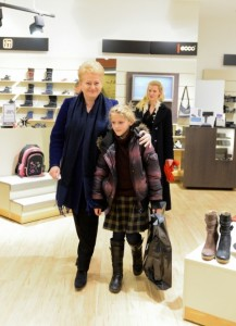 Alicja nie kryła radości i wzruszenia, gdy marzenie o ciepłych butach zostało zrealizowane