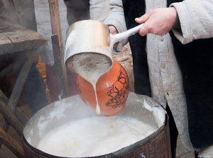 W warunkach domowych dozwolona jest produkcja słabych napojów alkoholowych  Fot. Marian Paluszkiewicz