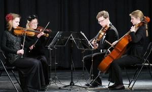 Po oficjalnej części uroczystości na gości czekał występ Kwartetu Smyczkowego z Zujun Fot. Marian Paluszkiewicz