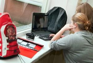 Noszenie laptopów i innych gadżetów do szkoły jest zupełnie niepotrzebne Fot. Marian Paluszkiewicz