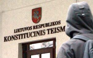 Sąd Konstytucyjny orzekł, że Sejm może zmienić wcześniejszą reglamentację pisowni nielitewskich nazwisk, która obligowała do zapisywania polskich nazwisk wyłącznie po litewsku Fot. Marian Paluszkiewicz