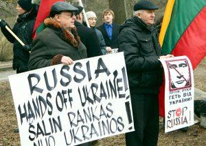 W wielu krajach, w tym też na Litwie nie ustają protesty przeciwko rosyjskiej agresji na Ukrainie    Fot. ELTA