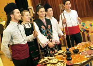 Goście z Rumunii zaprezentowali także potrawy swojego kraju Fot. Marian Paluszkiewicz