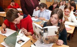 Od uczniów szkół polskich wymaga się znajomości dwóch języków ojczystych — polskiego i litewskiego Fot. Marian Paluszkiewicz