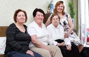 Janina Staszewska i jej trzy córki Fot. Marian Paluszkiewicz