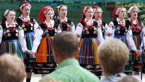 Na scenie rozbrzmiewała muzyka i śpiew Fot. Marian Paluszkiewicz
