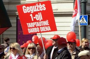 Niektórzy posłowie proponują wykreślić Międzynarodowy Dzień Solidarności Ludzi Pracy, czyli 1 Maja, z listy dni świątecznych na Litwie Fot. Marian Paluszkiewicz
