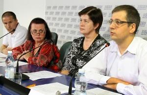 """""""Najpierw należy zadbać o ten transport, który już mamy"""" — powiedział Marius Markevičius (pierwszy od prawej) Fot. Marian Paluszkiewicz"""