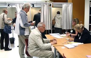 W pierwszym dniu przedterminowego głosowania swój głos oddało zaledwie 0,37 proc. wyborców Fot. Marian Paluszkiewicz