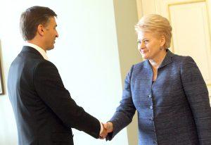 Po dymisji ministra energetyki Jarosława Niewierowicza mianowanie jego następcy może zająć koalicji rządzącej sporo czasu i kosztować jej wiele wysiłku    Fot. Marian Paluszkiewicz