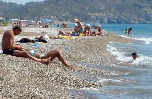 Wczasowicze na plaży w Afandou odległej od miasta Rodos o 18 km Fot. Janina Biesiekierska