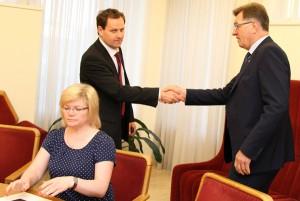 Rozgłos między AWPL i premierem może prowadzi do wyjścia, albo też wyrzucenia polskiej partii z koalicji    Fot. Marian Paluszkiewicz