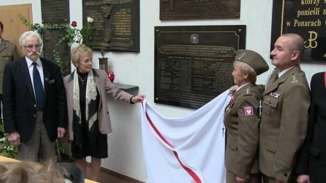 Tablicę odsłonili kombatanci z Białorusi, Litwy i Polski  Fot. Mariusz Huk