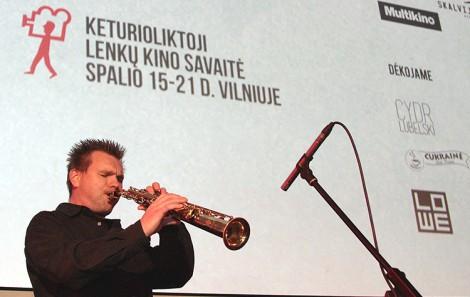 W atmosferę wieczoru widzowie zostali wprowadzeni poprzez saksofonowe i akordeonowe wiraże muzyków Jana Maksymowicza i Rajmunda Świackiewicza Fot. Marian Paluszkiewicz