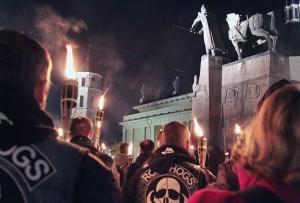W marszu z pochodniami uczestniczyło około 150 nacjonalistów, głównie ze Związku Narodowców     Fot. Marian Paluszkiewicz