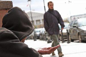 Ubóstwo może prowadzić do wykluczenia społecznego...    Fot. Marian Paluszkiewicz